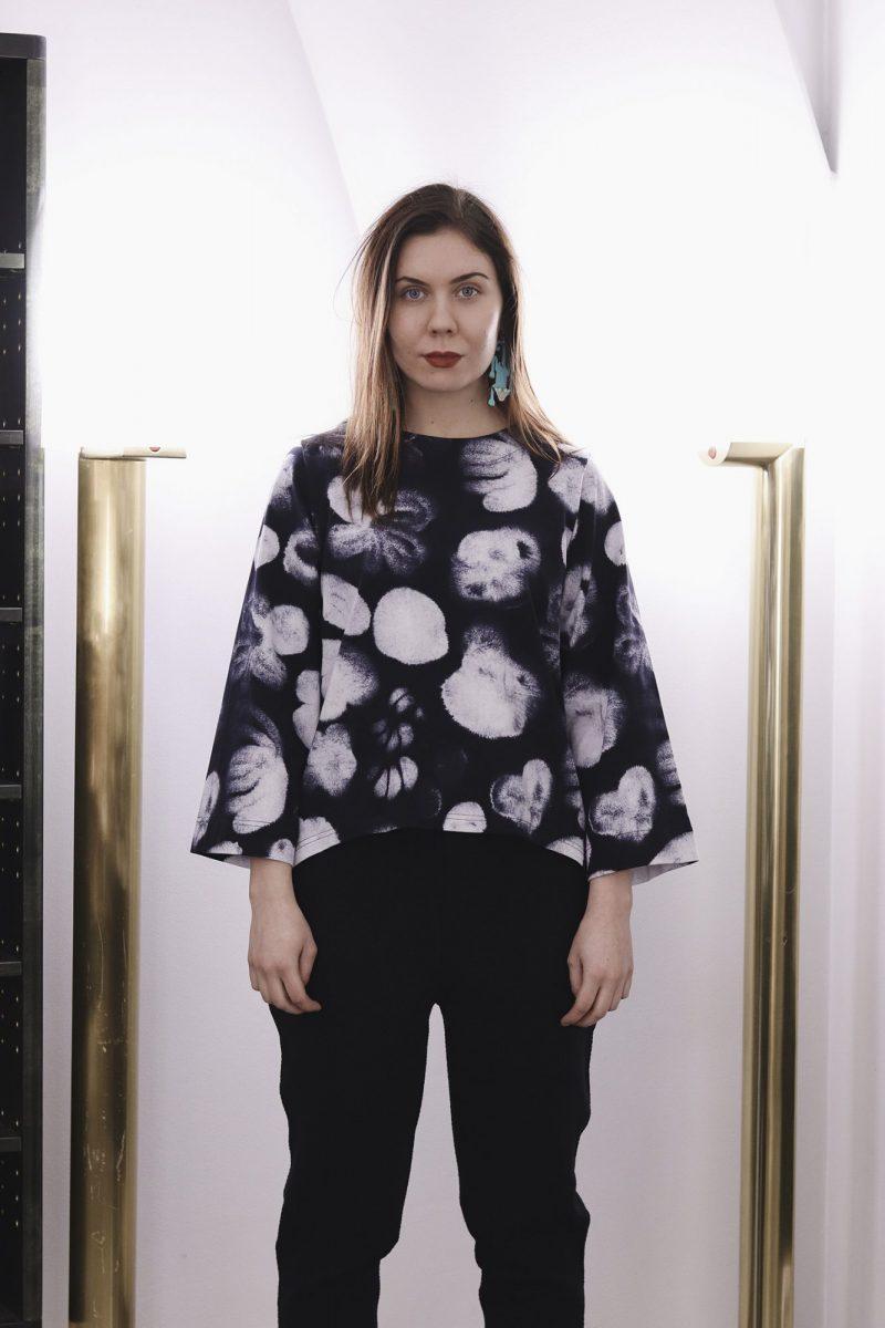 aarre_woman_little_stranger_ink_flowers_jen_shirt_paita (2)_small