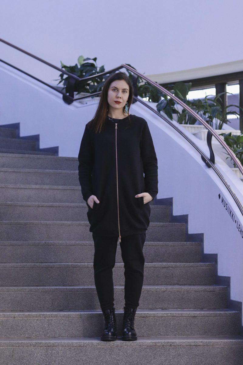 aarre_woman_little_stranger_struck_samira_bomber_jacket_takki (12)_small
