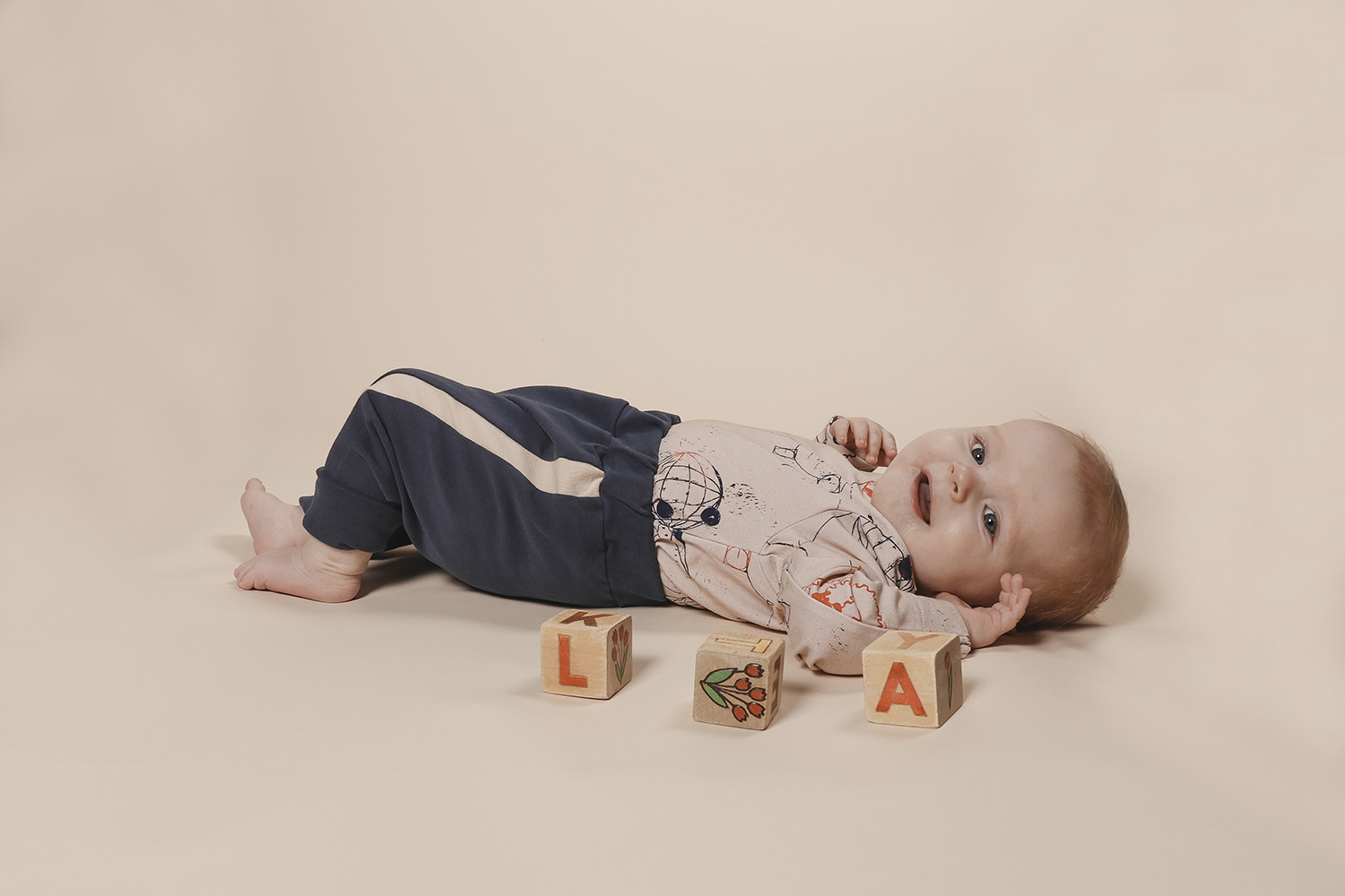 aarrekid_baby_vauva_little_stranger_maxton_baby_pants_housut_smoke_blue (5)_small