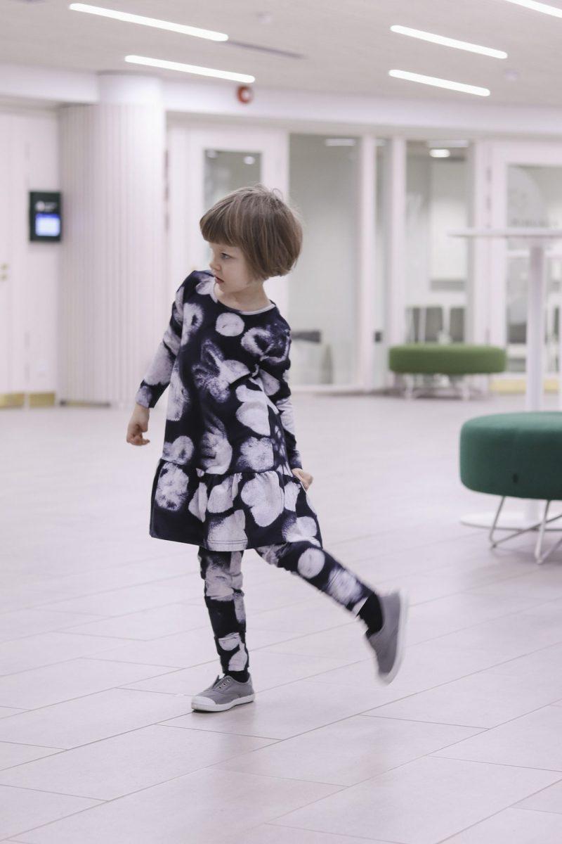 aarrekid_little_stranger_ink_flowers_madison_dress_mekko_leggings (4)_small